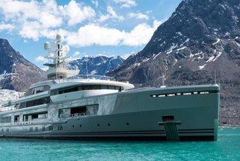 Thumb luxury yacht
