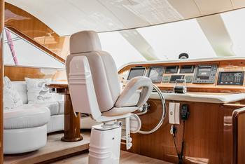 Thumb how to create a dazzling boat interior