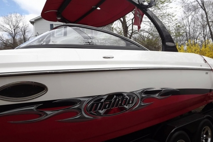 Malibu 25 Sunscape LSV w/ Wakesetter Package for sale in United States of America for $43,900 (£33,583)