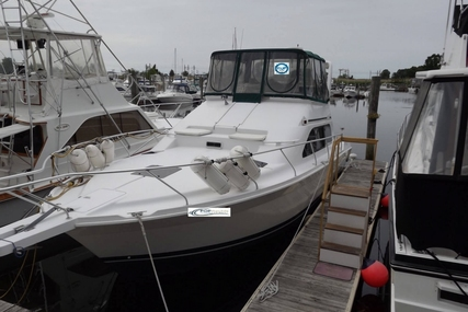 Mainship 40 Sedan Bridge for sale in United States of America for $108,000 (£81,639)