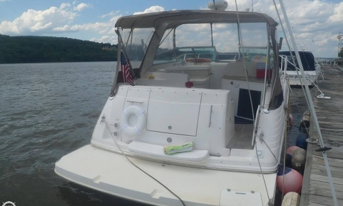 Image of Rinker Express Cruiser 320 for sale in United States of America for $69,900 (£52,630) Hyde Park, New York, United States of America