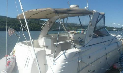 Image of Rinker Express Cruiser 320 for sale in United States of America for $69,900 (£53,678) Hyde Park, New York, United States of America