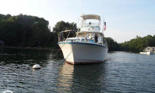 Image of Hatteras 31 Flybridge Cruiser for sale in United States of America for $18,500 (£14,036) Richmond, Maine, United States of America