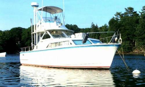 Image of Hatteras 31 Flybridge Cruiser for sale in United States of America for $18,500 (£14,087) Richmond, Maine, United States of America