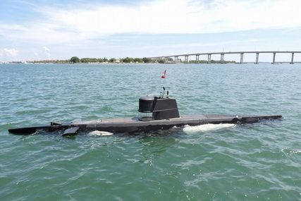 Marlin 32 Diesel Electric S101 Manned Submarine for sale in United States of America for $125,000 (£93,380)