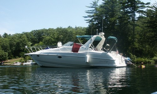 Image of Chris-Craft 33 Crowne for sale in United States of America for $20,000 (£15,117) Belmont, New Hampshire, United States of America
