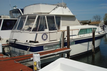 Chris-Craft 450 Commander for sale in United States of America for $93,999 (£72,158)