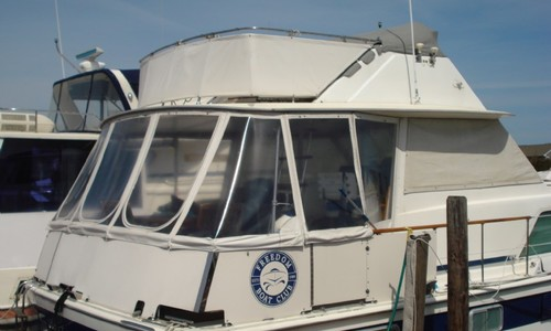 Image of Chris-Craft 450 Commander for sale in United States of America for $89,900 (£63,806) Toms River, New Jersey, United States of America