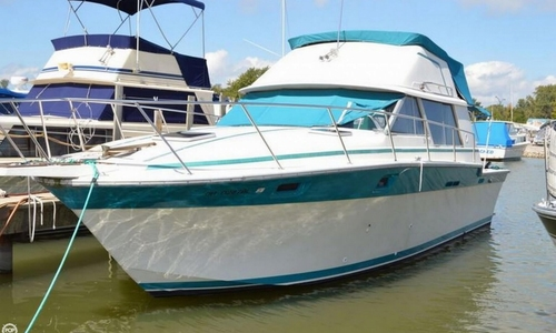 Image of Silverton 34 Convertible for sale in United States of America for $13,000 (£9,360) Port Clinton, Ohio, United States of America