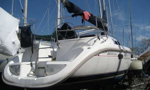 Image of Hunter 29.5 SL for sale in United States of America for $31,750 (£23,096) Oyster Bay Center Island, New York, United States of America