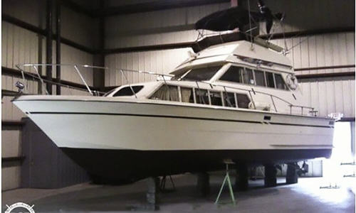 Image of Carver 3326 FE Voyager for sale in United States of America for $10,600 (£8,020) Bay Port, Michigan, United States of America