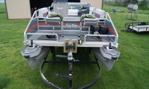 Image of Sun Tracker 24 Party Barge for sale in United States of America for $12,500 (£9,067) Wheatland, Missouri, United States of America