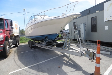 Sea Ray 270 Sundancer for sale in United States of America for $12,000 (£9,008)