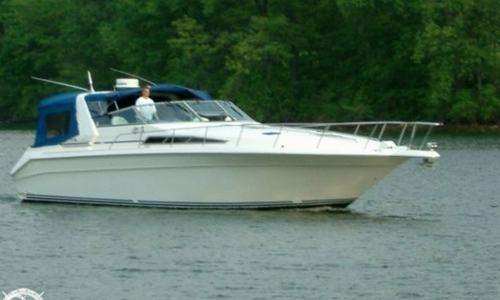 Image of Sea Ray 440 Express Cruiser for sale in United States of America for $69,900 (£50,346) Osage Beach, Missouri, United States of America