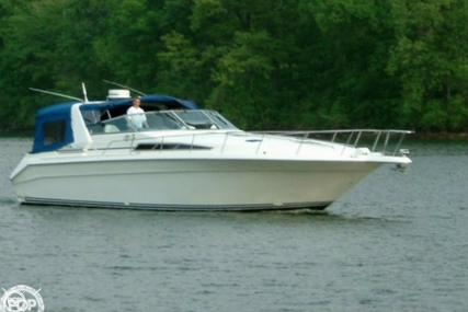 Sea Ray 440 Express Cruiser for sale in United States of America for $69,900 (£49,981)