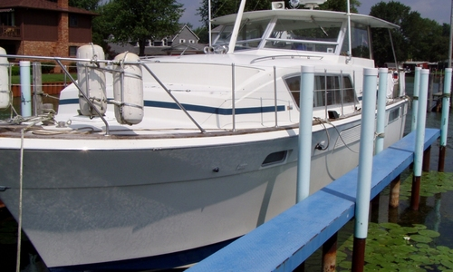 Image of Chris-Craft 410 Commander for sale in United States of America for $24,500 (£19,491) New Baltimore, Michigan, United States of America