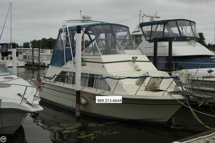 Carver Yachts 33 Mariner for sale in United States of America for $12,000 (£9,123)