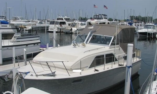 Image of Chris-Craft Catalina 350 Cabin Cruiser for sale in United States of America for $49,900 (£37,907) Michigan City, Indiana, United States of America