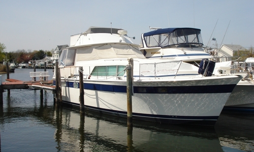 Image of Chris-Craft 450 Commander for sale in United States of America for $93,999 (£75,114) Toms River, New Jersey, United States of America