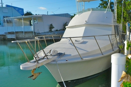 Bertram 33 Flybridge Cruiser for sale in United States of America for $37,500 (£28,347)