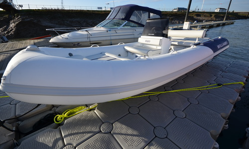Image of Williams Sportjet 520 200HP for sale in United Kingdom for £35,950 Boats.co. HQ, Essex Marina, United Kingdom
