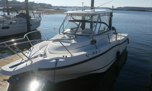 Image of Boston Whaler 255 Conquest for sale in United States of America for $45,000 (£34,329) Hilton Head, South Carolina, United States of America
