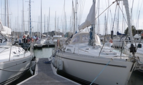 Image of Moody 38 for sale in France for €79,500 (£70,519) LA ROCHELLE, France