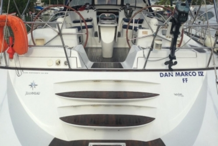 Jeanneau Sun Odyssey 54 DS for sale in France for €205,000 (£181,424)