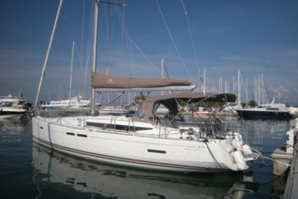 Jeanneau Sun Odyssey 439 for sale in France for €160,000 (£142,843)