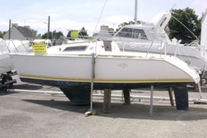 Jeanneau Sun Way 21 for sale in France for €2,500 (£2,176)
