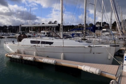 Jeanneau Sun Odyssey 33i for sale in France for €69,000 (£60,109)