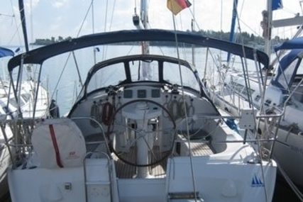 Jeanneau Sun Odyssey 35 for sale in Greece for €52,900 (£46,359)