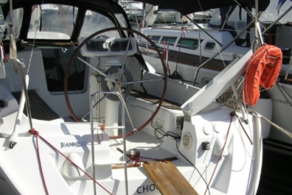 Jeanneau Sun Odyssey 32i for sale in Greece for €40,000 (£35,050)
