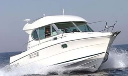 Image of Jeanneau Merry Fisher 805 for sale in France for €39,500 (£34,731) AJACCIO, France