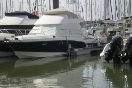 Beneteau Antares 9.80 for sale in France for €95,000 (£84,463)