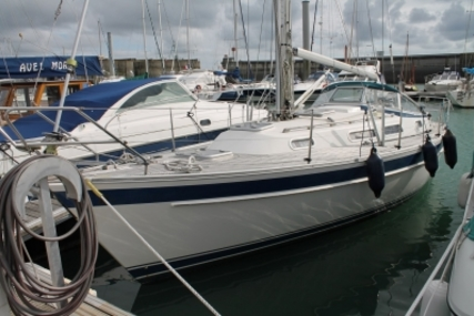 Hallberg-Rassy 31 MK II for sale in France for €99,500 (£88,732)
