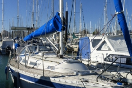 Hallberg-Rassy 31 for sale in France for €79,000 (£69,671)