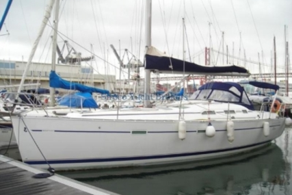 Beneteau Oceanis 393 for sale in Portugal for €80,000 (£70,587)