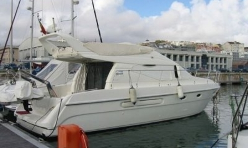 Image of Azimut Yachts 40 for sale in Portugal for €147,500 (£129,760) LISBON, Portugal