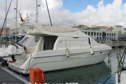 Azimut 40 for sale in Portugal for €147,500 (£130,082)