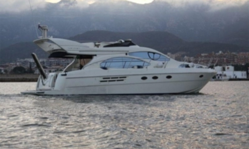 Image of Azimut Yachts 46 for sale in Portugal for €350,000 (£313,067) LISBON, Portugal
