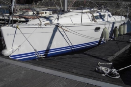 Jeanneau Sun Odyssey 32.1 Shallow Draft for sale in Portugal for €40,000 (£35,293)