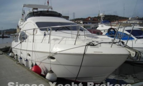 Image of Azimut 42 for sale in Portugal for €170,000 (£149,012) LISBON, Portugal