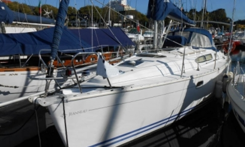 Image of Jeanneau Sun Odyssey 32.2 for sale in Portugal for €45,000 (£40,145) OPORTO, Portugal