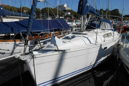 Jeanneau Sun Odyssey 32.2 for sale in Portugal for €45,000 (£39,705)
