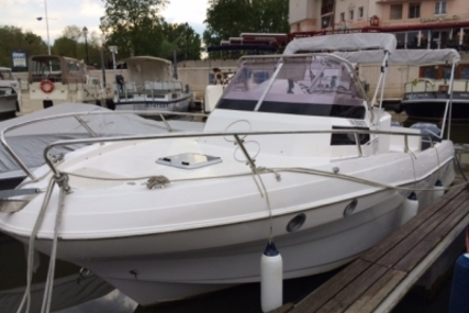 Pacific Craft 815 Sun Cruiser for sale in France for €79,000 (£69,537)
