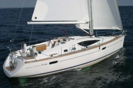 Jeanneau Sun Odyssey 39 DS for sale in Ireland for €109,950 (£97,515)