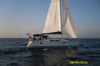 Jeanneau Sun Odyssey 39i for sale in France for €89,000 (£79,878)