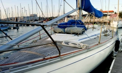 Image of Bavaria Yachts 410 Caribic for sale in Portugal for €49,900 (£44,127) LISBON, Portugal