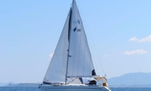 Image of Bavaria 38 Cruiser for sale in Greece for €53,000 (£46,287) Greece